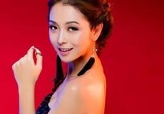 """Jennifer Phạm có thể thắng kiện thẩm mỹ viện """"vu"""" nâng ngực?"""
