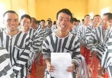 Người được tha tù trước thời hạn có điều kiện bị cấm tham gia các tổ chức chính trị