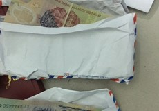 Con trai uy hiếp người tình trẻ của bố để cưỡng đoạt tiền