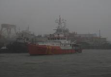 10 giờ vượt sóng dữ cứu 23 người gặp nạn trên biển