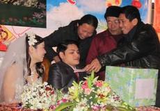 Đám cưới cảm động của đôi uyên ương khuyết tật
