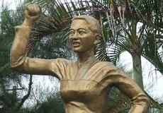 """Huyền thoại  """"Mẹ Hòa Đồng chặn xe tăng"""""""
