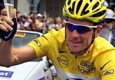 Lionel Messi - Lance Armstrong, người về đỉnh cao, người vào vực sâu…