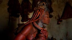 """Bộ tộc châu Phi cả đời """"tắm khô"""""""