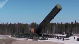 """Nga khoe tên lửa """"xé nát mọi hệ thống phòng thủ"""""""
