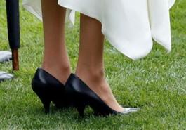 Đây là lý do Công nương Meghan Markle thường xuyên đi giày quá cỡ