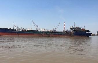 Hải Phòng: Đổ thải ngoài vị trí cấp phép, tàu HBC 25 không bị xử phạt