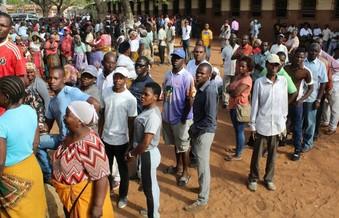 Mozambique phát hiện 30.000 'công chức ma'