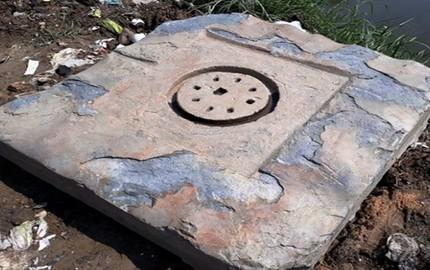 Phát hiện bệ đá nghi biểu tượng Yoni của văn hóa Chămpa