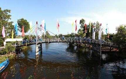 """Người dân miền Tây được tặng 8 cây cầu làm """"quà Tết"""""""