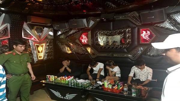 Đột kích quán karaoke, phát hiện gân 50 'dân chơi' dương tính với ma túy