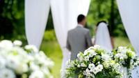 """Cuộc hôn nhân cay đắng của cô gái """"oan hồn cũng phải mê"""""""