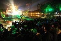 Người Việt rộn ràng chào năm mới 2015