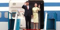 Hình ảnh Chủ tịch TQ Tập Cận Bình đến sân bay Nội Bài