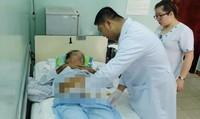 Cứu bệnh nhân bị… hoại tử 'cậu nhỏ'
