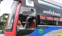 Đã bắt được hai kẻ đập phá xe khách