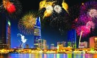 Du lịch dịp nghỉ lễ: Nhiều lựa chọn cho người dân TP HCM