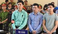 Vụ 9 người chạy thận tử vong ở Hòa Bình: Tòa bất ngờ xét hỏi về chứng cứ mới