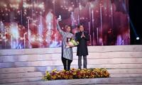 NTK Việt tung bộ ảnh Áo dài quốc kỳ độc đáo chào đón World Cup