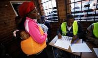 Cử tri Zimbabwe bước vào cuộc bầu cử lịch sử