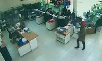 12 tháng, 7 vụ cướp ngân hàng: Lỗ hổng an ninh các điểm giao dịch ngân hàng
