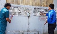 """Quảng cáo """"rác"""": Kẻ dán – người gỡ"""