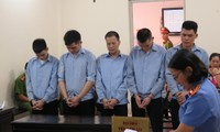 5 thanh niên lĩnh gần 60 năm tù vì… rút tiền thuê