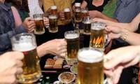 """Kiểm soát việc sử dụng hay """"khai tử"""" ngành rượu, bia?"""