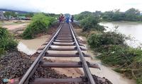 Chính thức thông tuyến đường sắt Bắc – Nam sau gián đoạn do bão