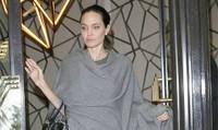 Hình ảnh gây sốc về Angelina Jolie sau vụ ly hôn Brad Pitt
