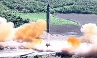 Triều Tiên phóng tên lửa qua lãnh thổ Nhật, Hàn Quốc họp khẩn