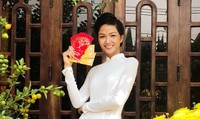 Mỹ nhân Việt mặc gì cầu may ngày đầu năm?