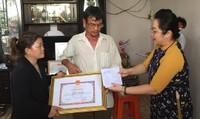 Truy tặng bằng khen cho 'hiệp sĩ' Nguyễn Hoàng Nam