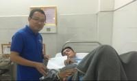 Đoàn Thanh niên Bộ Tư pháp thăm, động viên hiệp sĩ bị thương