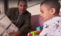 Kinh ngạc bé 3 tuổi nói lưu loát tiếng Anh dù chưa từng tiếp xúc