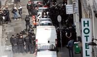 Gã đàn ông nghi bị tâm thần bắt cóc con tin ở Pháp