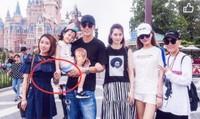 Mỹ nam 'Hoa Thiên Cốt' vào nhà nghỉ với trợ lý trẻ, phản bội vợ hơn 10 tuổi?