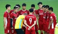 Công Vinh hiến kế cho HLV Park đấu Malaysia, VFF bán vé online nếu tuyển Việt Nam vào bán kết