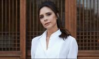 Mặc đẹp, mạnh mẽ và hiện đại như Victoria Beckham trong ngày 8/3