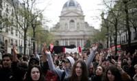 Phong trào đòi 'Ai cũng có quyền được vào đại học'