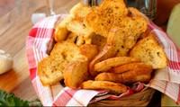 Chế biến món ăn ngon từ bánh mì cũ