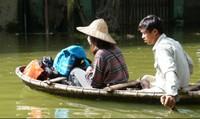 Lo ô nhiễm môi trường, bùng phát dịch bệnh ở vùng ngập Chương Mỹ