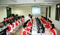 Bao giờ giảng dạy an toàn internet vào chương trình chính khóa trong nhà trường?