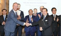 Thủ tướng Nguyễn Xuân Phúc: Chủ động kết nối doanh nghiệp để triển khai FTA