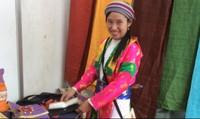 Cô gái ấp ủ niềm hy vọng cho phụ nữ người Mông