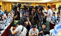 Khi đích ngắm của 'thế lực đen' là nhà báo