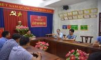 """Phóng viên tác nghiệp ở bãi rác Khánh Sơn (Đà Nẵng) bị dọa """"chôn xác"""""""