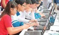 Khó xử phạt sinh viên dung tục trên facebook?
