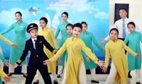"""Vietnam Airlines với hành trình """"Từ đôi tay đến Trái tim"""""""