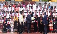 Chủ tịch nước Trần Đại Quang gặp mặt  70 học sinh có hoàn cảnh đặc biệt